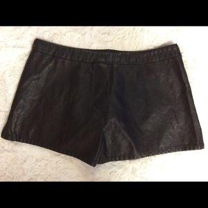 Victoria's Secret Faux Leather Shorts Size Zip M